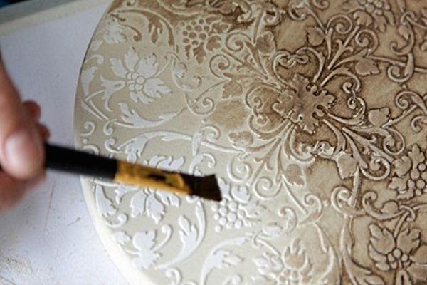 Использование текстурных паст в декупаже