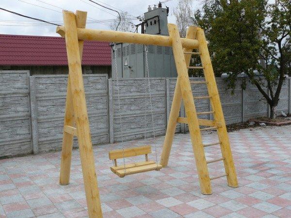 Робимо деревяні гойдалки для дачі своїми руками