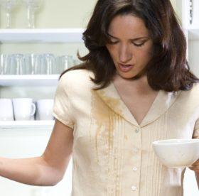 Чим вивести плями від кави швидко і результативно  c3d555997fe56