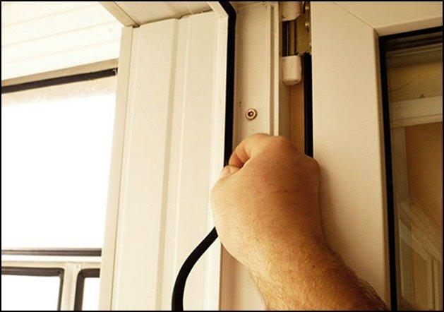 Замена резиновых уплотнителей для пластиковых окон и дверей .