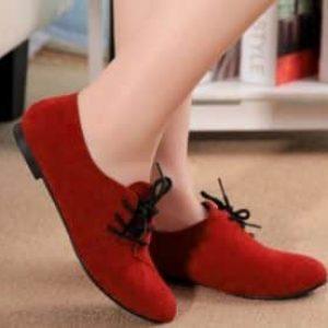 Догляд за взуттям із нубуку: правила, засоби, поради