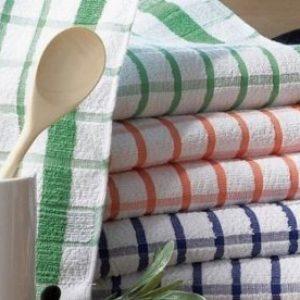 Як відіпрати кухонні рушники? Позбавляємося від плям і бруду…