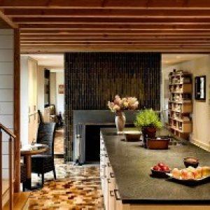 Камін на кухні: фото інтер'єрів в квартирі