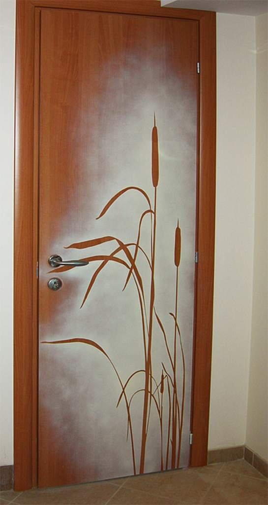 Как оформить двери старые своими руками 55