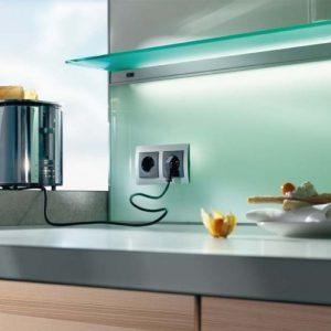 Як правильно вибрати розташування для кухонних розеток