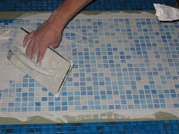 Как положить мозаичную плитку своими руками