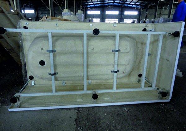 Установка акриловый ванны на каркасе своими руками видео