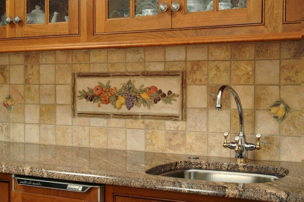 Дизайн плитки на стене на кухне