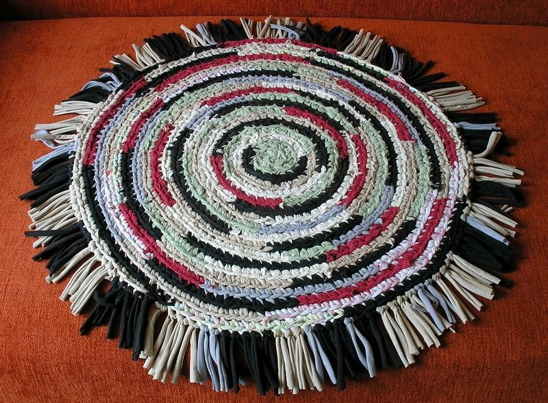 Вязаные коврики своими руками из старых вещей своими руками 29