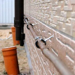 Металеві та сталеві хомути для кріплення труб
