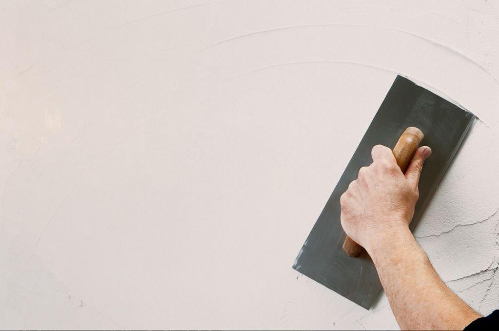 Чем шпаклевать стены под покраску своими руками 125