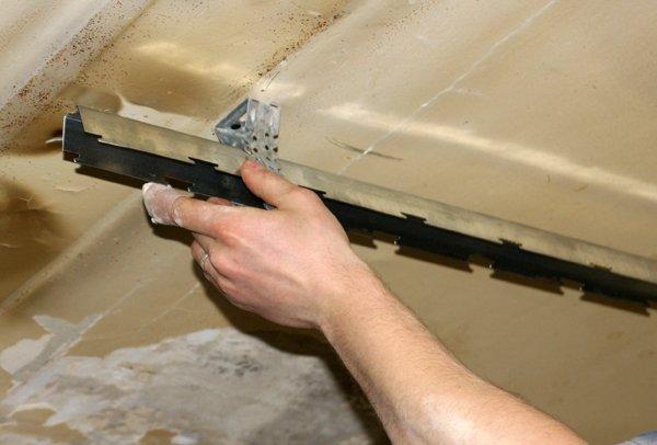 Как сделать потолок реечный 201