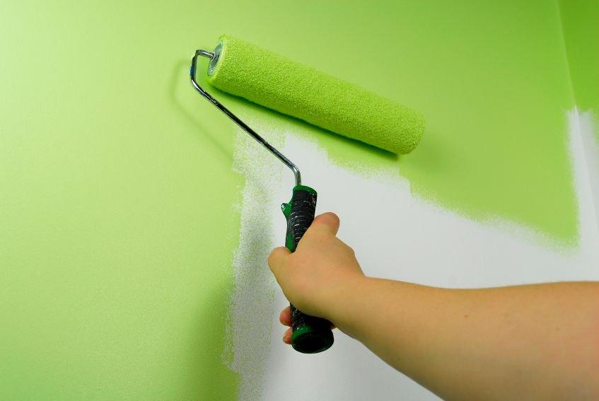 Как покрасить стены в квартире акриловой краской
