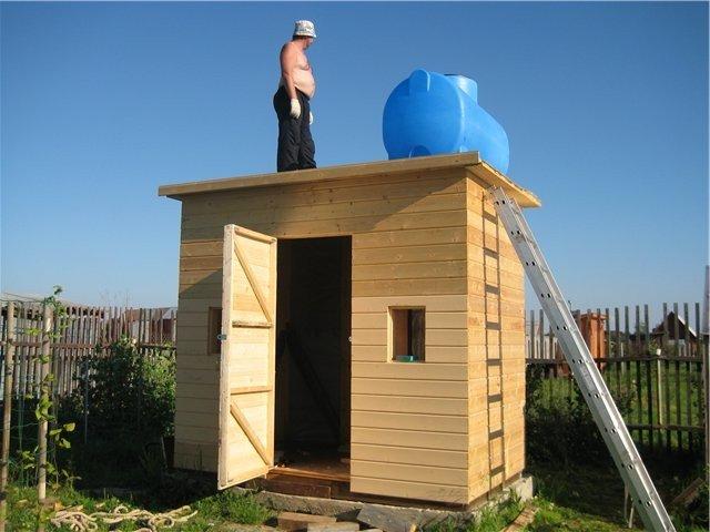 Деревянный душ на даче своими руками 58