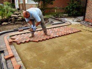 Укладка тротуарной плитки своими руками на даче видео 130