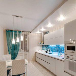 Який натяжна стеля краще вибрати для кухні?