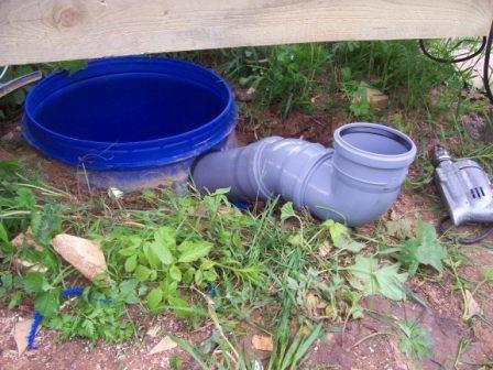 Установка дачного туалета с выгребной ямой