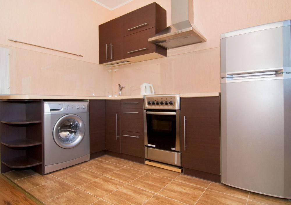 Интерьер кухни со стиральной м