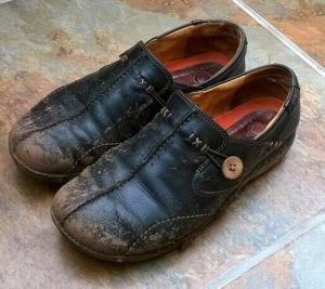 Сонник взуття на ногах