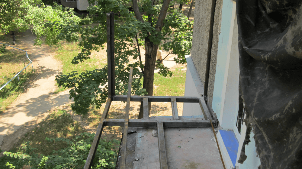 Балкон с выносом своими руками: как увеличить балкон видео и.
