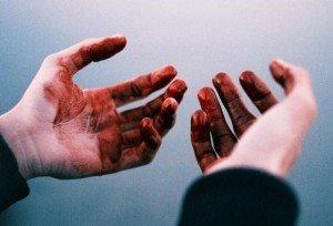 Рука в крові фото 728-946
