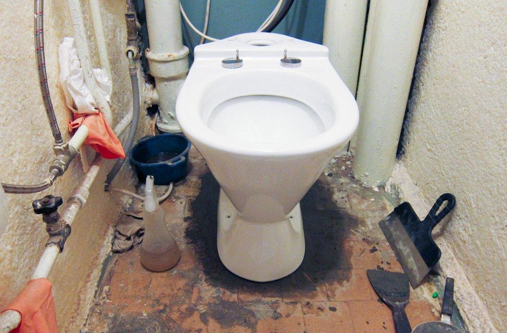 Как установить туалет своими руками