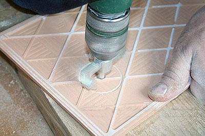 Как сделать круглое отверстие в керамической плитке на стене