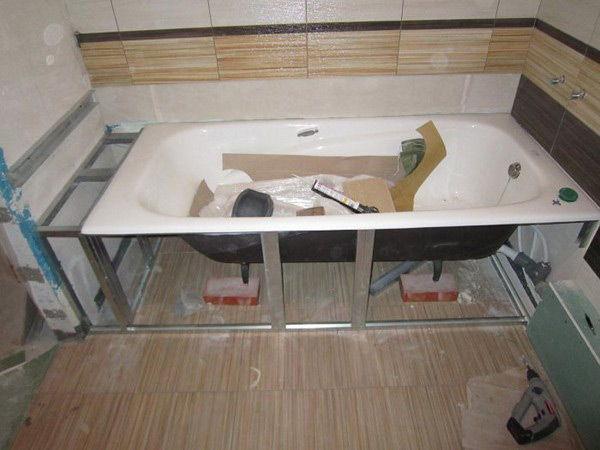 Скрипит акриловая ванна