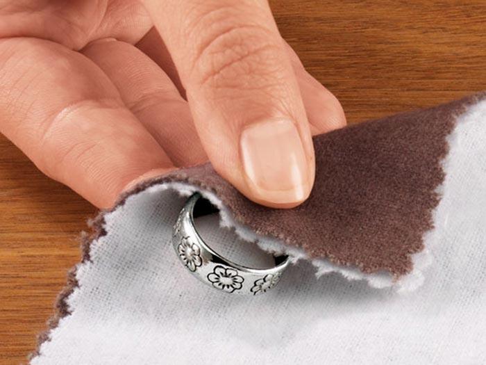 Чем почистить обручальное кольцо в домашних условиях 379