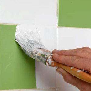 Як оновити кахельну плитку у ванній стару