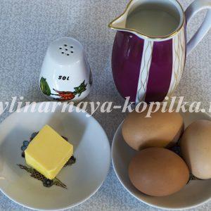 Пишний омлет: рецепт з молоком і яйцем на сковороді