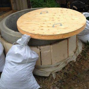 Як утеплити колодязь з бетонних кілець — господарю на замітку