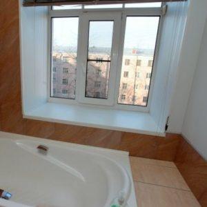Оригінальний дизайн ванної 6 кв м з вікном – поради та ідеї