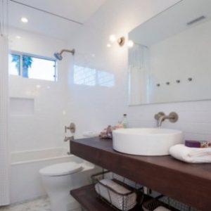 Дизайн ванної кімнати 12 кв. м з вікном – варіанти та ідеї