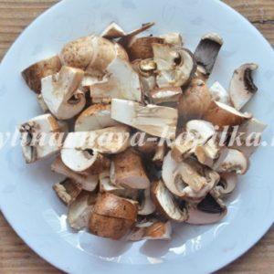 Паста з куркою і грибами у вершковому соусі: покроковий рецепт з фото