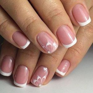 Який річний дизайн нігтів зробити — фото новинки літнього манікюру