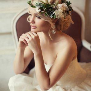 Вибираємо весільні зачіски. Найкрасивіші весільні зачіски на різну довжину волосся