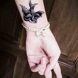 Яскравий спосіб самовираження! Жіночі татуювання і тату для дівчат — фото ідеї