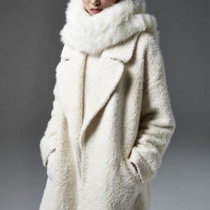 Модні шарфи 2018-2019 — фото, тренди, новинки, ідеї, з чим носити шарф