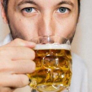 Що робити при похмілля: як позбавити від сильного бодуна і що необхідно випити?