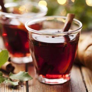 Гаряче вино при застуді: рецепт приготування теплого червоного напою для лікування болю в горлі