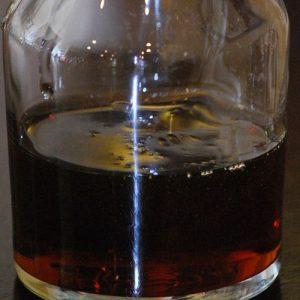 Коньяк з чорносливу: рецепт приготування з самогону в домашніх умовах