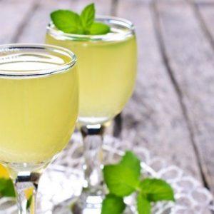 Лимонна настоянка на горілці: рецепти приготування на самогоні і спирті в домашніх умовах