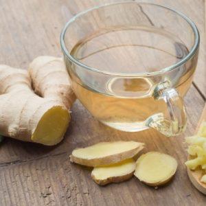 Настоянка з імбиру на самогоні: як правильно настояти на дистилляте корінь рослини, використовуючи класичний рецепт або альтернативні з медом або лимоном