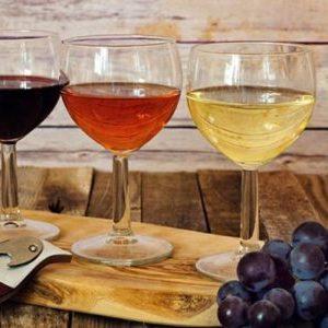 Домашнє сухе вино: особливості і рецепти приготування в домашніх умовах, як зробити ароматний алкогольний напій з винограду, вишні та інших фруктів