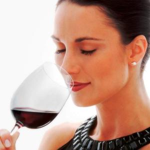 Як правильно пити вино: червоне і біле (сухе, напівсухе, солодке, напівсолодке), рожеве, лікерне, десертне, ігристе, гранатове