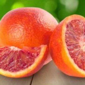 Кривавий апельсин, сицилійський фрукт з червоною м'якоттю гібрид чого