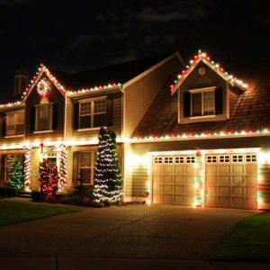 Прикраса будинку на Новий рік своїми руками. Оформлення фасаду