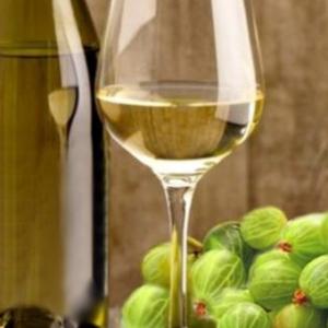 Вино з агрусу в домашніх умовах простий рецепт: найкращі способи приготування – класичний, зеленої, червоної, чорної ягоди